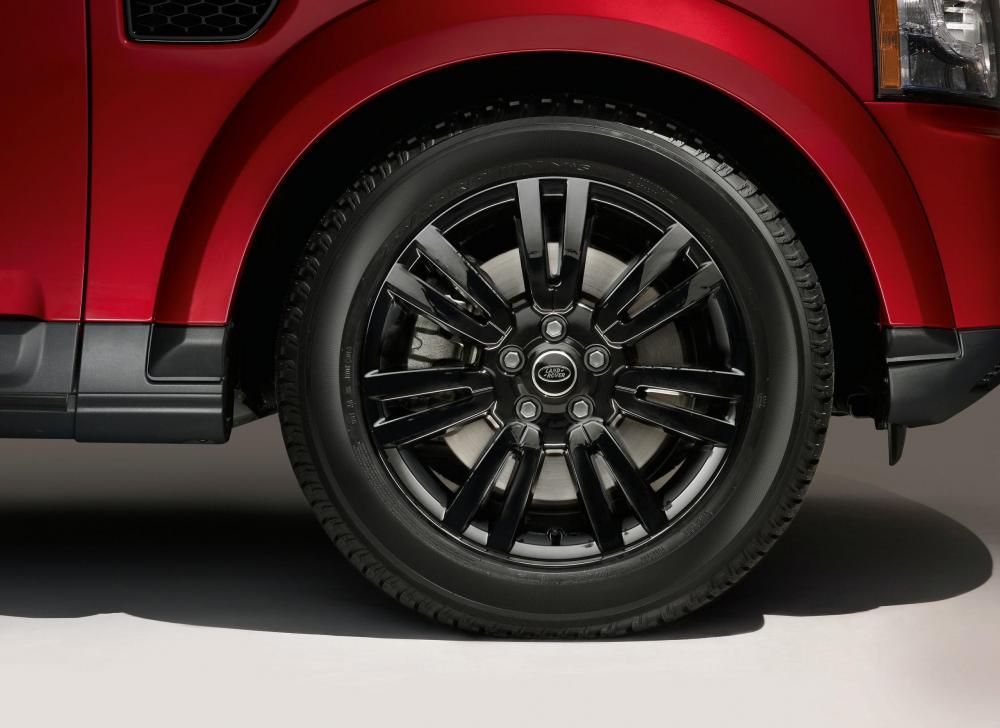Шиномонтаж Land Rover.jpg
