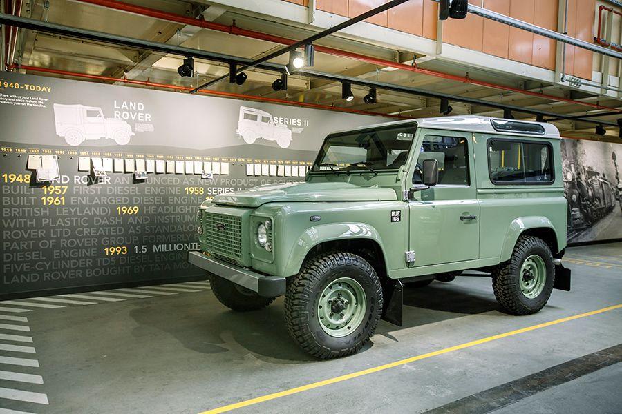 Land-Rover-Defender-Heritage.jpg